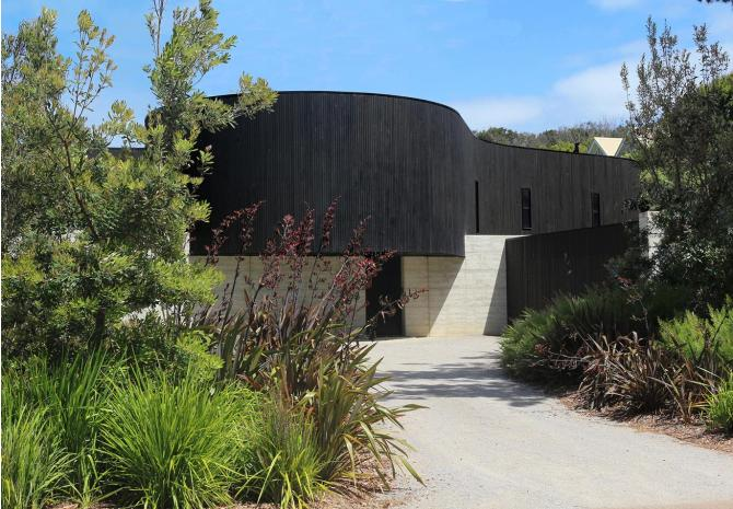 exterior view of the Portsea hydronic heating project on the mornington peninsula